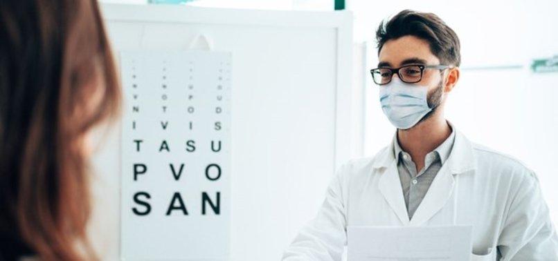 Çinli bilim insanlarından çarpıcı koronavirüs tespiti: Gözlük takanlara 5 kat daha az Covid-19 teşhisi konuluyor