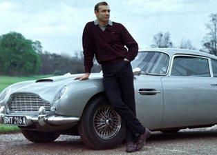 James Bond filmiyle meşhur olan Aston Martin D85'in benzeri 6,4 milyon dolara satıldı!