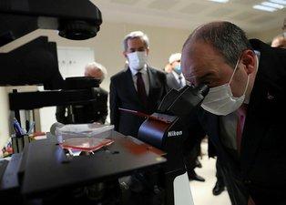 Yerli aşıda bayram müjdesi! Sanayi ve Teknoloji Bakanı Mustafa Varank üretim tesislerini ziyaret etti