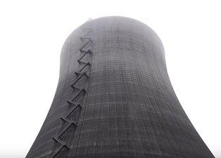 iPhone Xs Max'ı nükleer santralin bacasından attılar!
