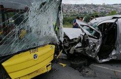 İETT otobüsüyle çarpışan aracın sürücüsü öldü!