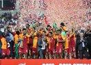 Galatasaray Türkiye Kupası'nı törenle kaldırdı