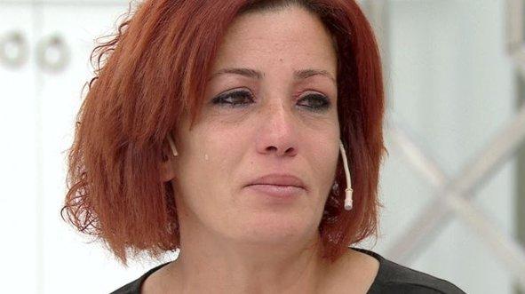 32 yıldır görmediği kardeşi Ayşegül'ü Esra Erol buldu