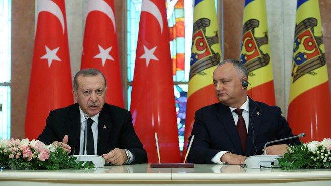 Başkan Erdoğan'dan Moldova'ya FETÖ uyarısı