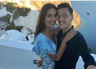 Mesut Özil ile Amine Gülşe'nin bebekleri dünyaya geldi! İlk fotoğrafını paylaştı