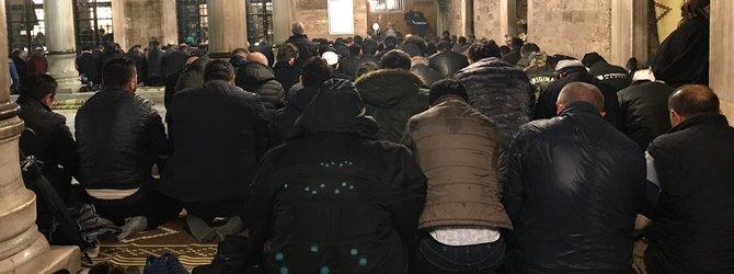 Mevlid Kandili'nde vatandaşlar camilere akın etti!