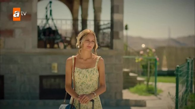 Maria ile Mustafa 3. yeni bölüm | Mustafa, Maria'yı bırakmıyor!