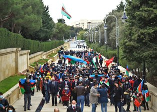 Azerbaycan halkı Kelbecer'in Ermenistan işgalinden kurtarılmasını kutluyor