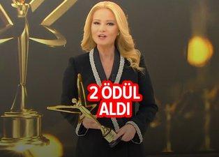 ATV'nin yıldızı Müge Anlı 2 ödül birden aldı! Altın Kelebek'de Müge Anlı'ya 2 ödül!