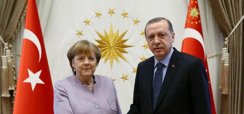 CUMHURBAŞKANI ERDOĞAN, MERKEL'İ KABUL ETTİ