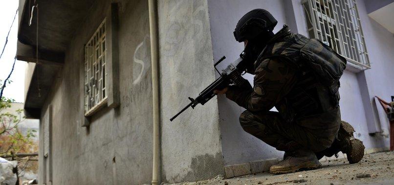 NUSAYBİN'DE PKK'LI TERÖRİSTLER KISTIRILDI