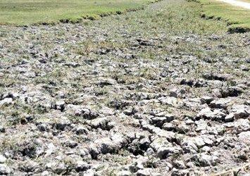 Kayseri'de yüksek sıcaklıklar Yay Gölü'nü kuruttu