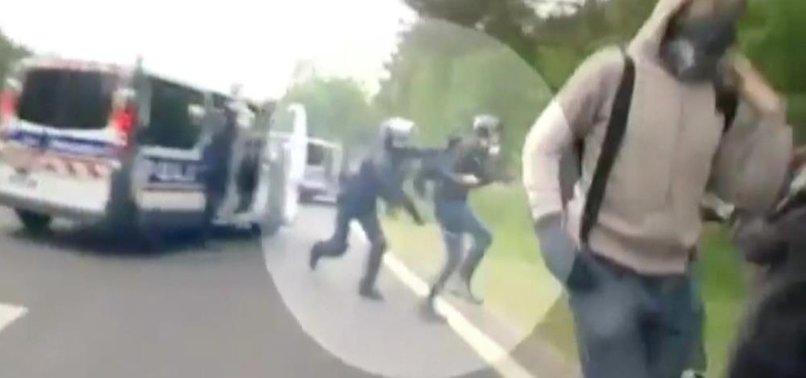 FRANSIZ POLİSİ GAZETECİ DÖVDÜ