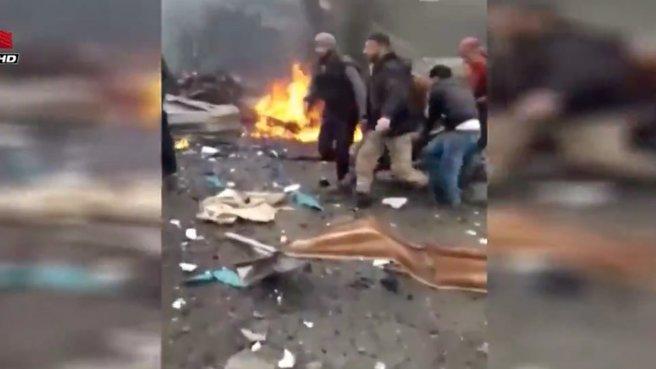 Halk pazarına bombalı saldırı! Ölü ve yaralılar var