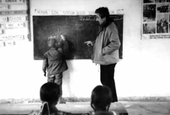 Önceki mesleği öğretmenlik olan 19 ünlü