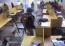 Hindistan polisi Müslüman öğrencileri kütüphanede copla dövdü | Video