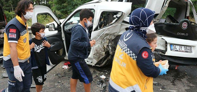 TEM'de zincirleme trafik kazası: Yaralılar var