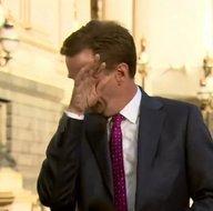 Son dakika: Neye uğradığını şaşırdı! Muhabirin canlı yayında zor anları kamerada