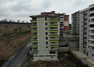 Samsun'da 2 yıl önce yapılan binanın zemini kaydı! Gözler mahkeme kararında...