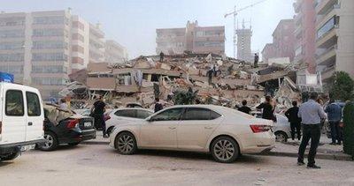 Son dakika: İzmir'deki deprem anını gösteren görüntüler geldi! Korku anları...