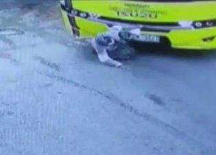 Aksaray'da yürek yakan kaza! Zavallı yaşlı kadın otobüsün altında kaldı! Hastaneye gitmemek için diretince...