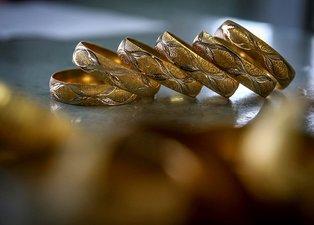 Altın fiyatları ne durumda? Altın yükselir mi düşer mi? Gram altın ve çeyrek altın ne kadar?