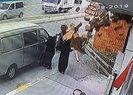 Şiddetli rüzgar nedeniyle uçan kiremitler vatandaşların üstüne düştü | Video