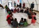Türkiyeden Avrupaya ve Yunanistana insanlık dersi! Göçmen çocukların yüzünü Bahçeli güldürdü