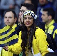 Fenerbahçe - Galatasaray derbisinde tribünlerde büyük coşku