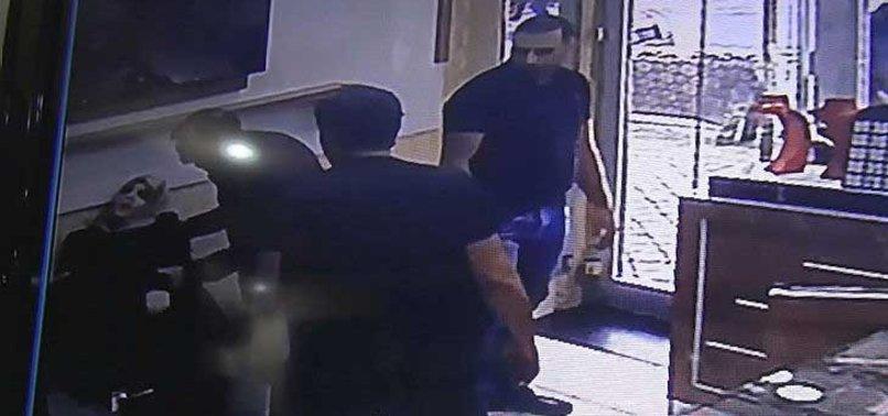 Hırsızlık yaparken yakalandı! Kurtulmak için…