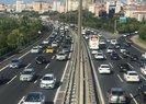 İstanbul'da deprem sonrası trafik yoğunluğu