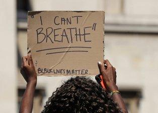 Protestolar Londra'ya sıçradı! Binlerce İngiliz ABD Büyükelçiliği'ne yürüyor