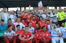 İZÜ Stadyumu Türkiye-Filistin dostluk maçıyla açıldı
