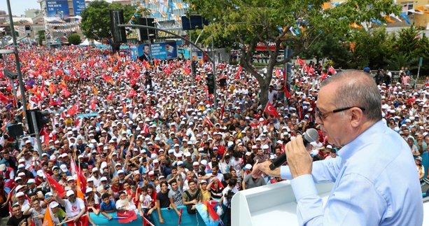 İstanbullular Cumhurbaşkanı Erdoğan'ı bağrına bastı
