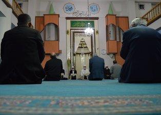 Mevlid Kandili'nde camilerden salavat sesleri yükseldi