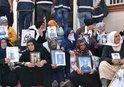DİYARBAKIR'DA HDP ÖNÜNDE NÖBET TUTAN AİLE SAYISI 34 OLDU! TEK İSTEKLERİ KAVUŞMAK