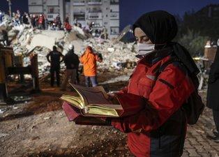 Son dakika: İzmir depreminden yürek yakan kareler!