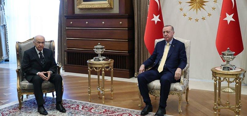 Son dakika: Başkan Erdoğan'dan Külliye'de sürpriz görüşme trafiği! MHP Lideri Bahçeli'yi kabul etti