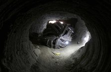 Afrin merkezindeki terör tünelleri görüntülendi! İşte içinden çıkanalar...