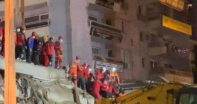70 yaşındaki Ahmet Çitim'i enkazdan kurtaran ekip: Mutluluktan kendimizi kaybettik
