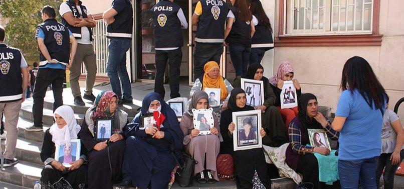 HDP'LİLER TEHDİT ETTİ DİYARBAKIRLI AİLELER TEPKİ GÖSTERDİ