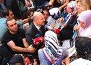 Son dakika: İçişleri Bakanı Soylu Diyarbakır'da evlat nöbeti tutan annelerin yanında