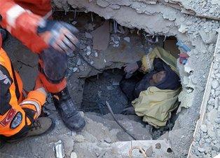 Elazığ'da yardım eli böyle uzandı!