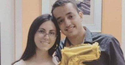 Yunanistan'da iki genç sevgili enkaz altından birbirlerine sarılmış halde çıkarıldılar