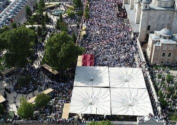 Abdülmetin Balkanlıoğlu'nun cenazesinde insan seli