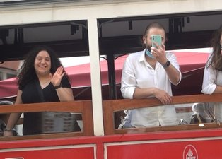 İstiklal Caddesi'nde şoke eden görüntüler! Tüm uyarılara rağmen maskesiz dolaştılar, sosyal mesafeyi hiçe saydılar