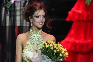 Taçlı Rus güzel Malezya Kralı ile evlendi