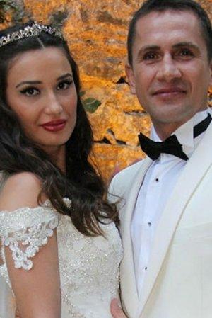 Emre Aşık başka erkekle görüntülenen eşi Yağmur Aşık'tan boşanıyor