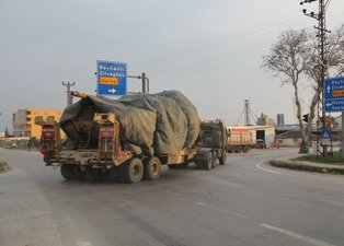 Son dakika haberi: Sınır hattında hareketli dakikalar! Türkiye'den askeri araç ve komando sevkiyatı