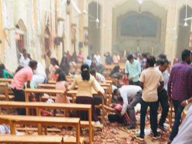 Sri Lanka'da art arda patlamalar